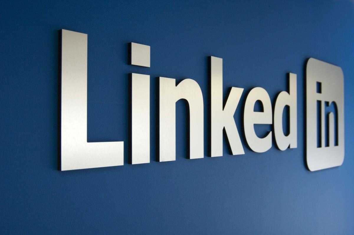 decouvrez-notre-nouvelle-extension-linkedin-header